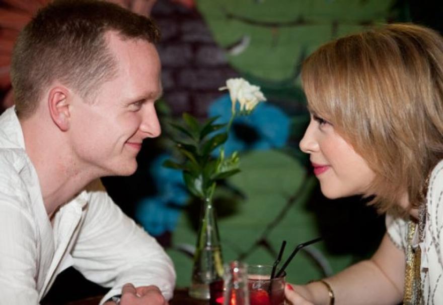 randevúzás után férje meghal