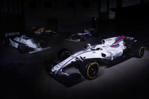 Hivatalosan is itt a Williams FW40-es