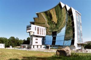 A napelemes épületeké a jövő