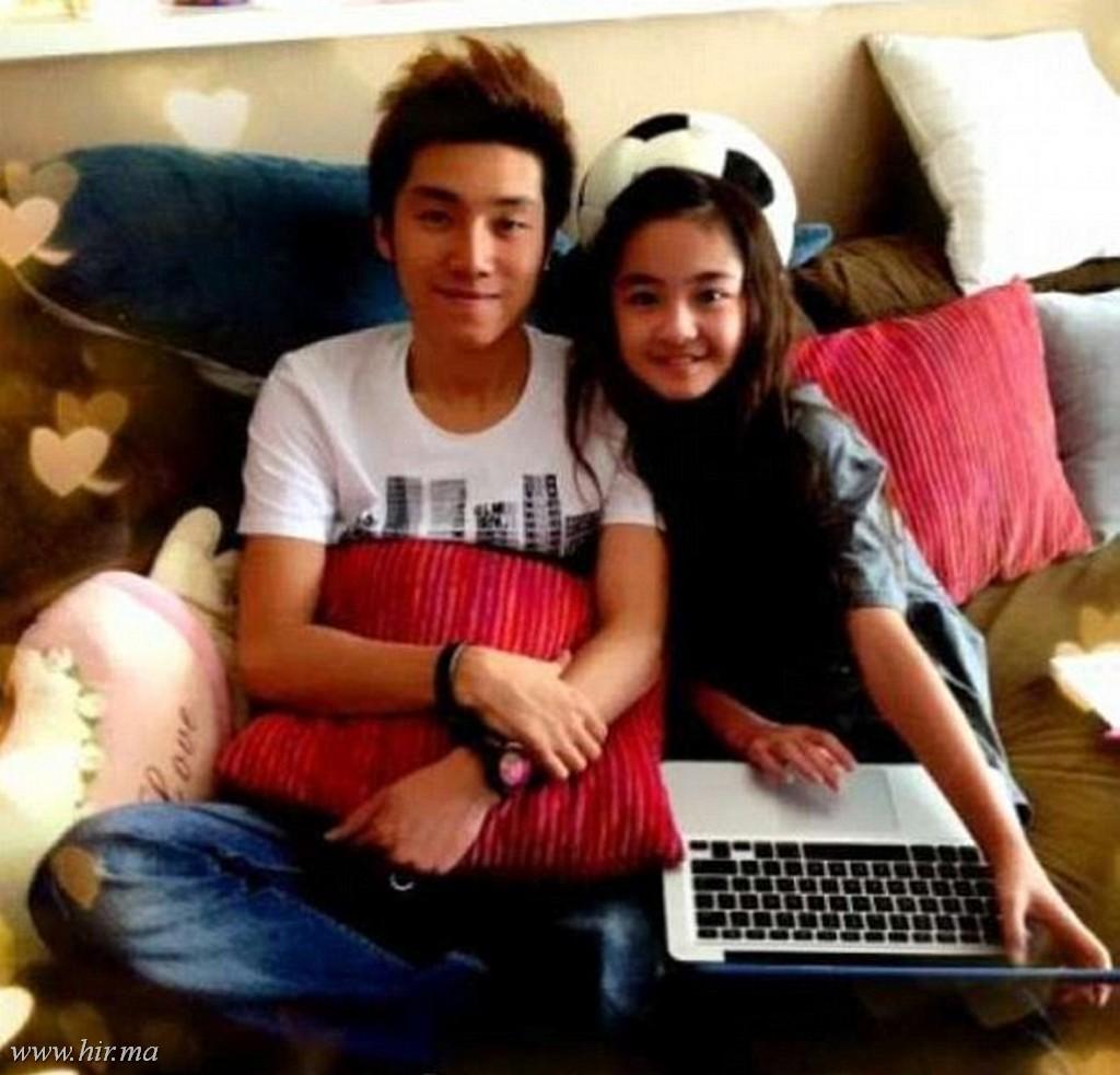 Egy 24 éves kínai popsztár egy 12 éves kanadai modellel randevúzik