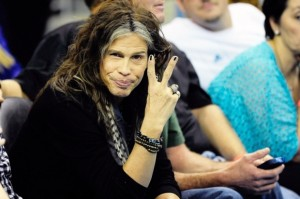 Steven-Tyler-to-Testify-in-Congress-for-Anti-Paparazzi-Law-2