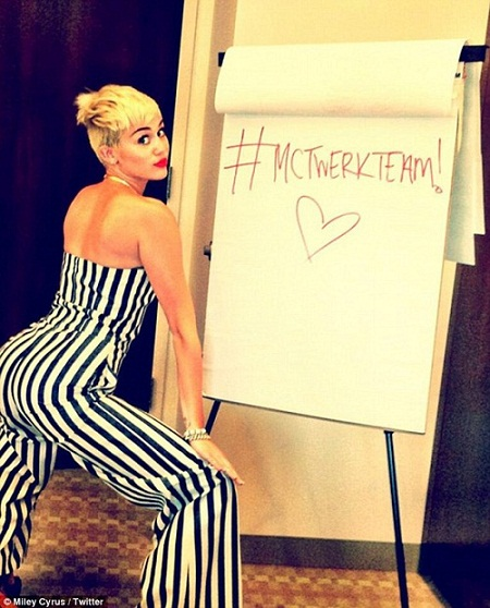 Miley-Cyrus-Twerk-Team-Video-Photo