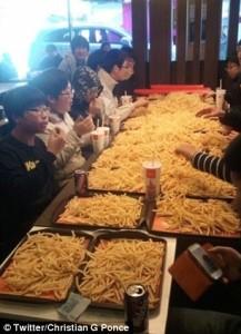 Koreai tinédzserek Krumpli Partija