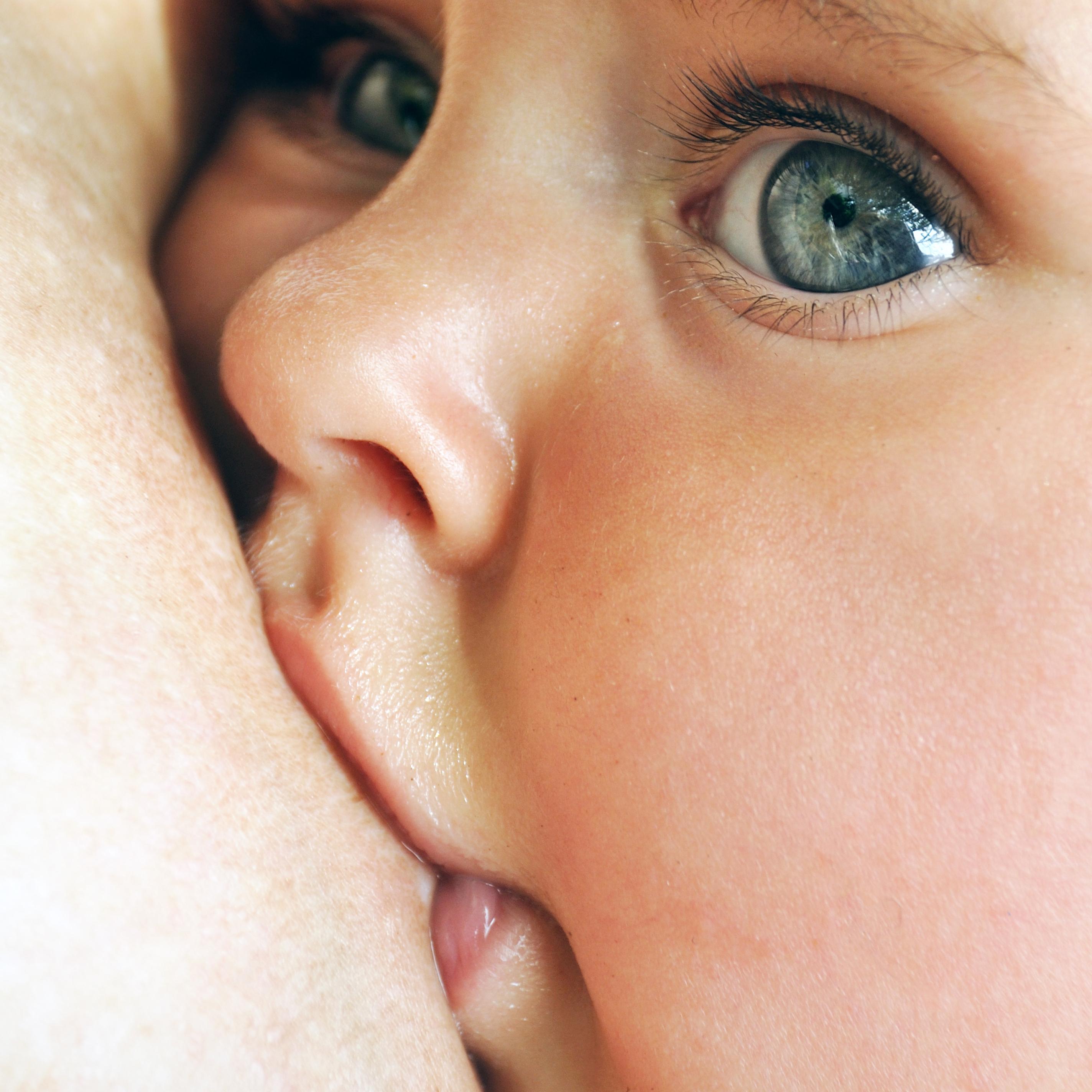 A tévhitekkel ellentétben a testmozgás a szoptatás alatt nem okoz sem minőségi, sem mennyiségi romlást az anyatejben.