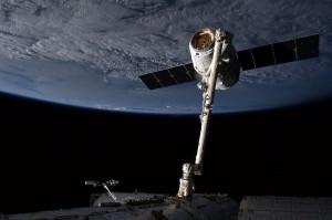 A SpaceX Dragon kapszulát csapdába ejti az ISSC