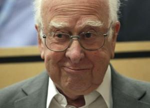 A Higgs-bozon névadója,Peter Higgs angol fizikus.