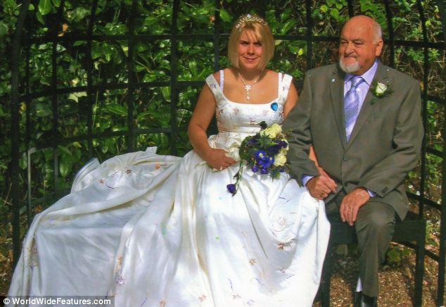 Boldog pár: Richard és Lisa Roden az esküvőjük napján.