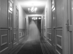 steve-donna-o-meara-ghost-in-the-hall-at-the-hawthorne-hotel-one-of-america-s-most-haunted