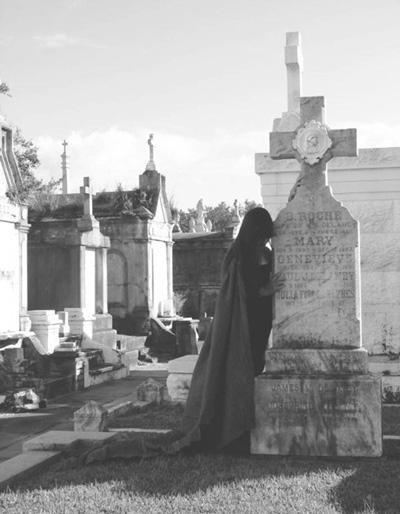 alyne-pustanio-cemetery