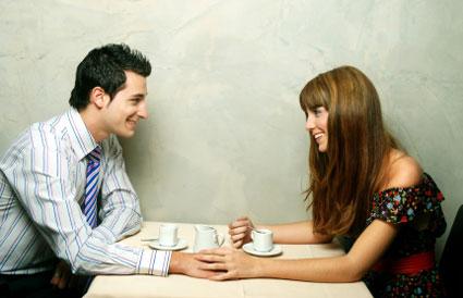 Randevú egy férfival, akinek sok női barátja van
