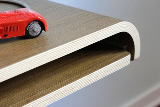 minimal-float-wall-desk-from-orange-22-8-thumb-630x420-24303 (1)