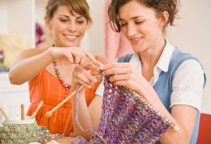 201005-sandra-week-7-women-knitting-300x205