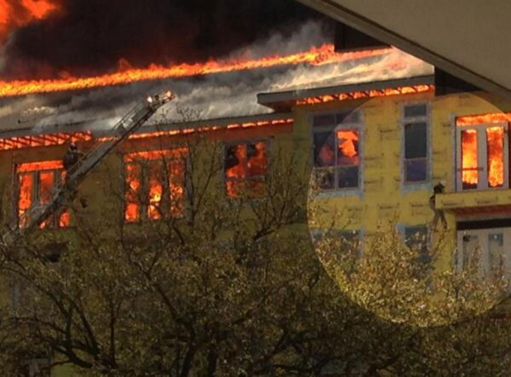 huge-blaze-burns-building-development-houston-suburb