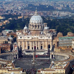 Vatikán - Svatopetrské námìstí - bazilika sv. Petra, papež Jan Pavel II. - úmrtí, ostatky - fronta