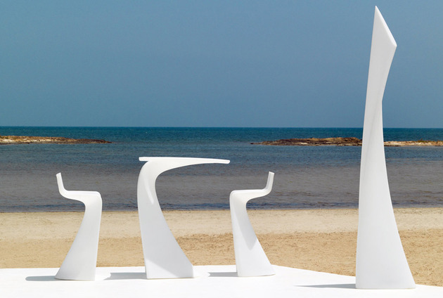 vondom-wing-garden-furniture-collection-by-a-cero-1-thumb-630xauto-40543 (1)