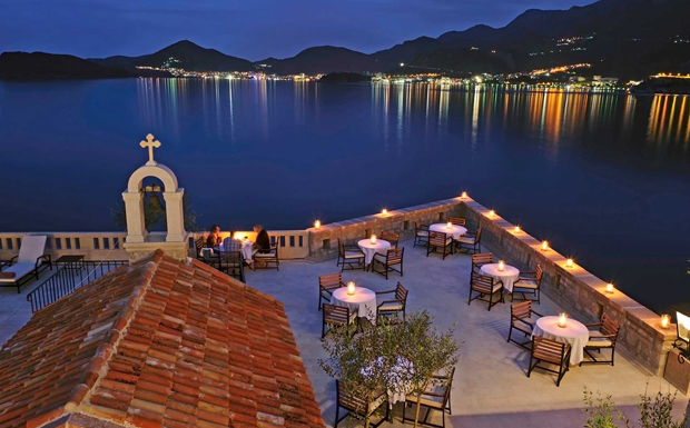 Aman Sveti Stefan - Poolside Dining