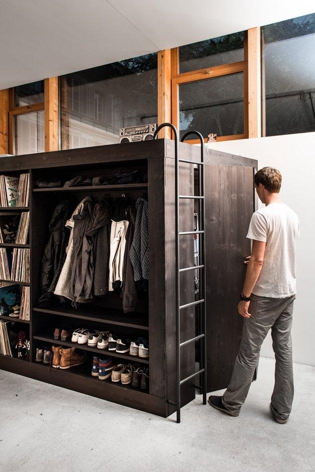 storage-solution-living-cube-till-koenneker-three-quarter-person-thumb-630x943-14591 (1)
