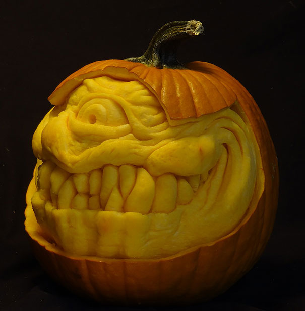 creepy-pumpkin-carvings-jon-neill-3