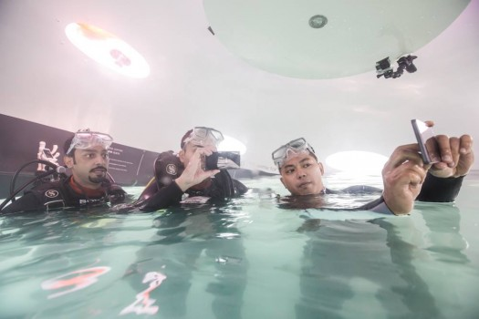 sony xperia bolt a víz alatt 6. jpg