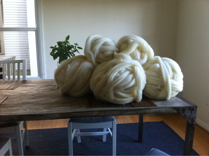 No-Im-not-Thumbelina.-I-just-knit-with-GIANT-needles-and-yarn.__880