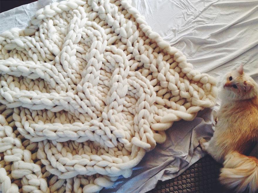 giganto-blanket-knitting-laura-birek-1