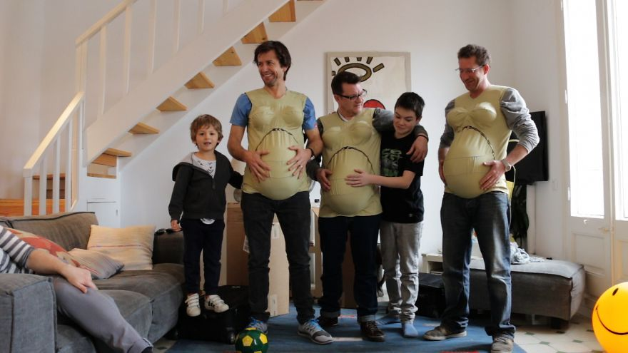 THE-HIGHS-AND-LOWS-OF-3-DADS-AS-THEY-TAKE-ON-THE-WEIGHT-OF-BEING-A-9-MONTH-PREGNANT-MUM-FOR-ON__880