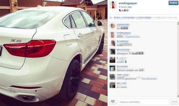 Evelin közösségi oldalán posztolta a szép autót