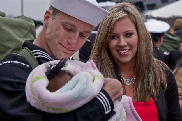 Airman-Justin-Rogers-meets-his-newborn-daughter.