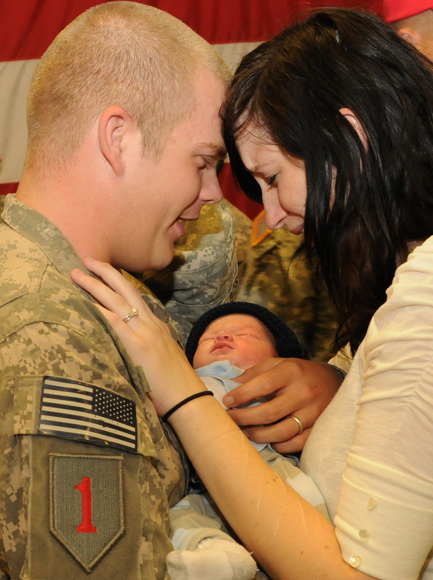 PFC-Jordan-Boswell-meets-his-9-day-old-son-Conner.