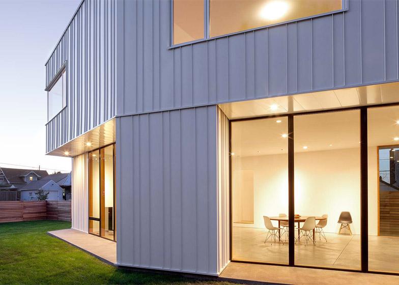 Pavilion-House-in-Portland-Oregon-by-Ben-Waechter-1
