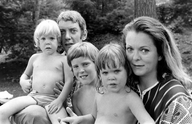 Photos of Donald Sutherland and His Family in 1970 by Co Rentmeester