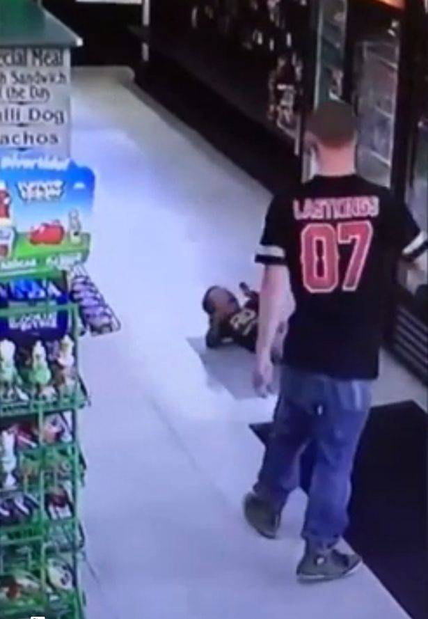 dad-punches-toddler-in-the-face (1)
