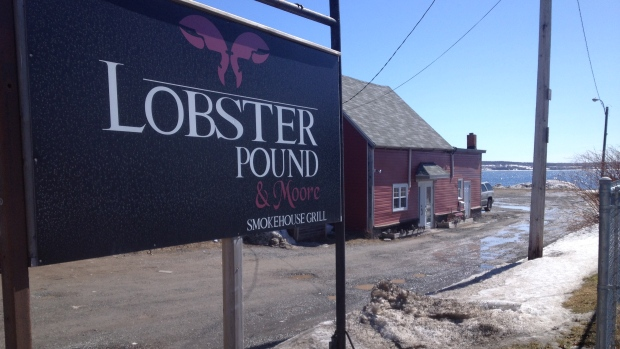 lobster-pound-and-moore