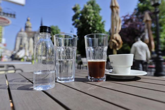 átlátszó kávé