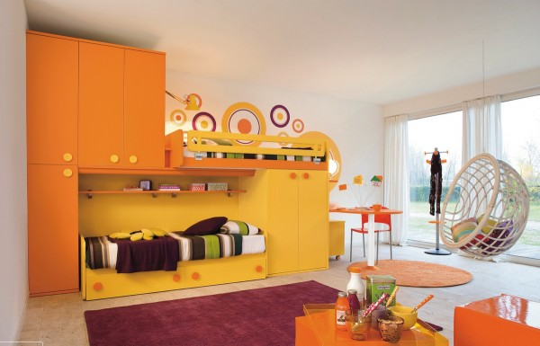 10-Yellow-orange-kids-room-600x385