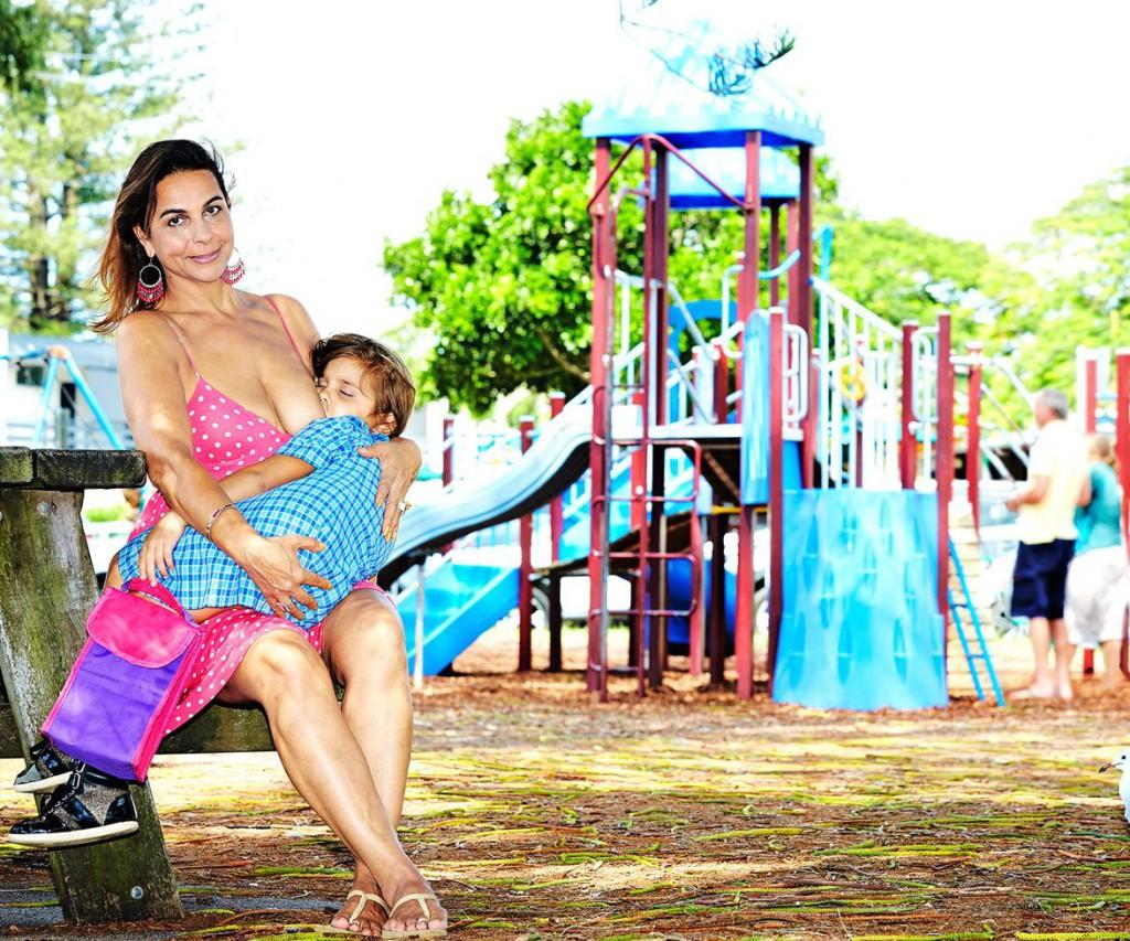 Breastfeeding-mum-MAIN