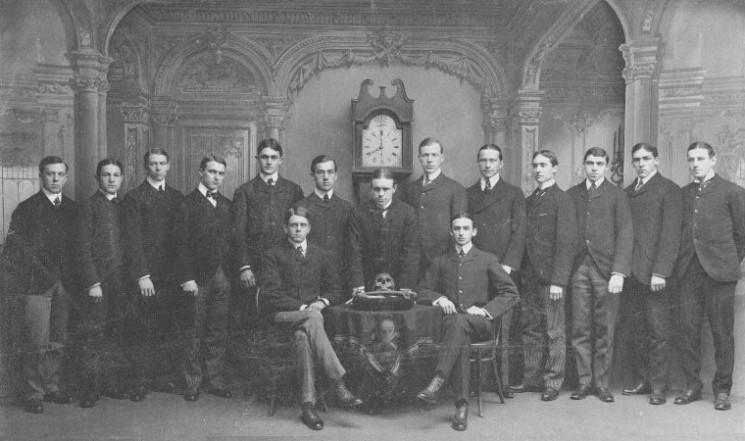 A Skull and Bones társaság tagjai 1900-ban