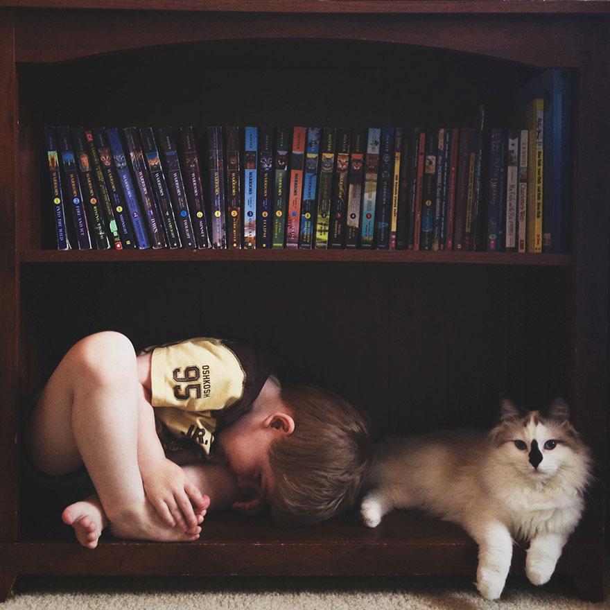 boy-cat-friendship-beth-mancuso111