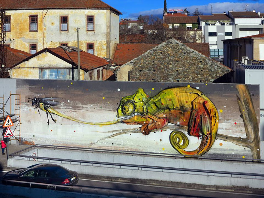 recycled-sculptures-street-art-big-trash-animals-artur-bordalo-6