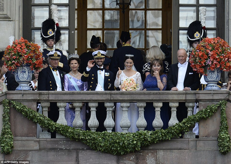 2997E77100000578-3122810-The_couple_were_joined_by_Sweden_s_King_Carl_XVI_Gustaf_and_Quee-a-19_1434256865426