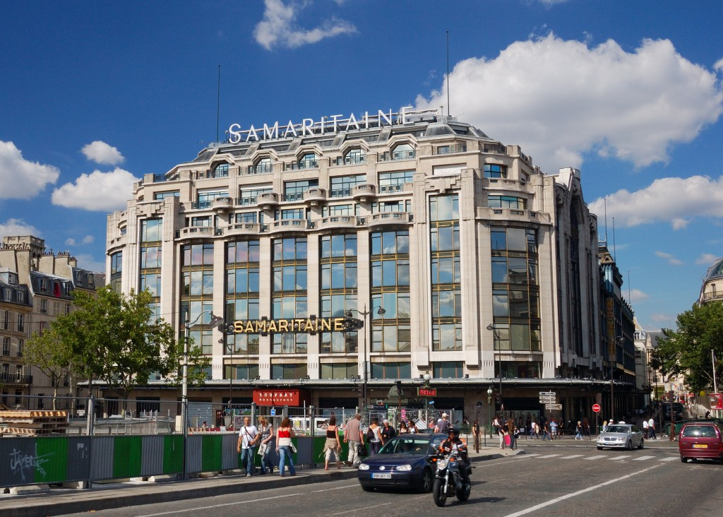 La_samaritaine_as_seen_from_the_Pont_Neuf