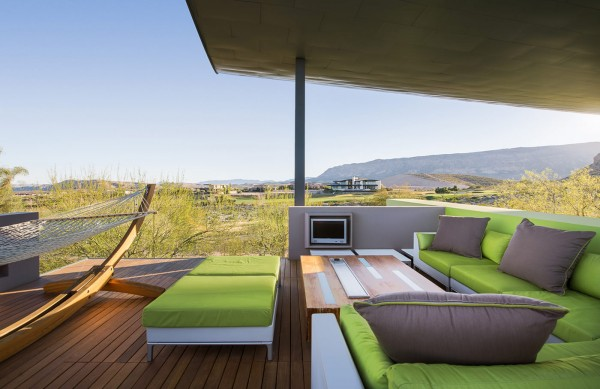 lime-green-patio-furniture-600x389