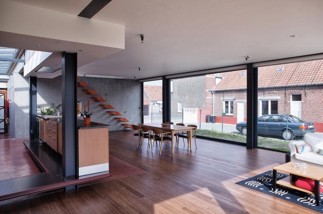 modern-steel-staircase-design-3-thumb-630xauto-53761