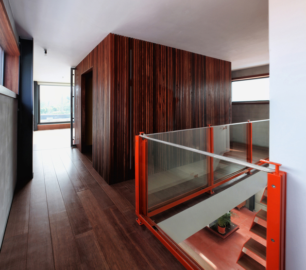 modern-steel-staircase-design-6-thumb-630xauto-53767