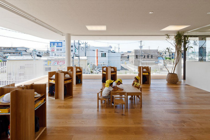 preschool-collects-rainwater-puddles-kids-play-dai-ichi-yochien-hibino-sekkei-8