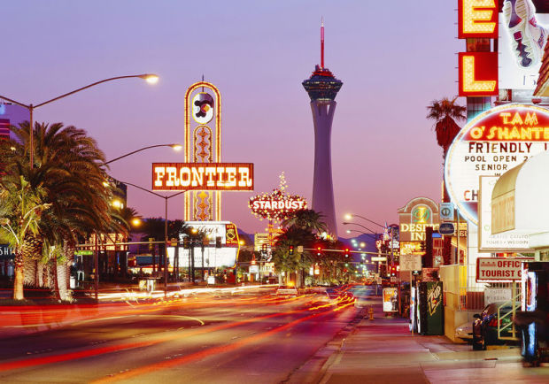 View towards Stratosphere Tower, Las Vegas, Nevada, Vereinigte Staaten, USA