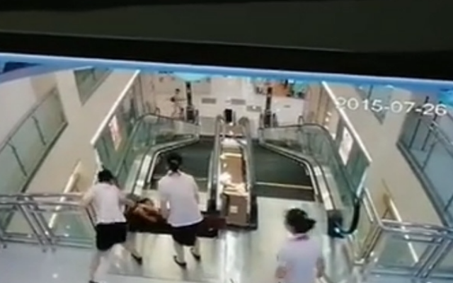 escalator-stuck-3