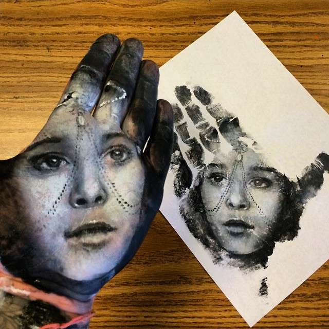 hand-print-portraits-russell-powell-21
