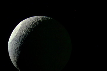 tethys-saturn-moon-bright-basin