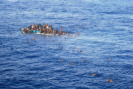 Újabb illegális menekültek a Földközi-tengeren